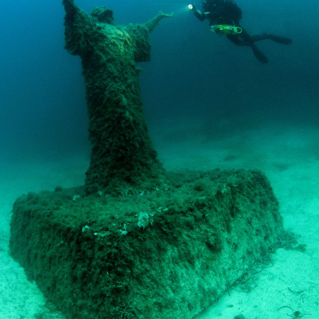 Diving, snorkeling, or swimming in any of Malta's top spots!