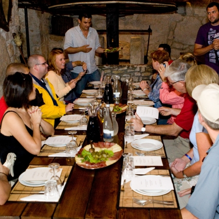 Enjoy a 100% organic lunch at a typical family home