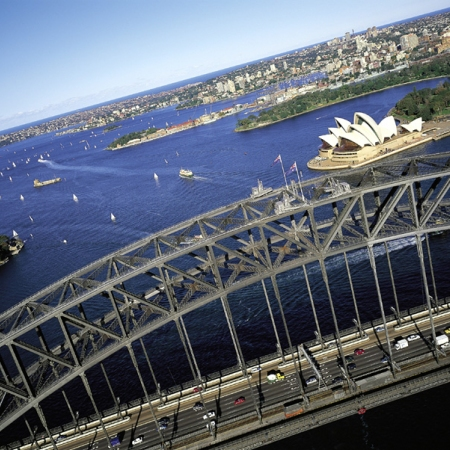 Discover amazing Sydney from the top of the Harbour Bridge when you climb the summit and see the fantastic views!