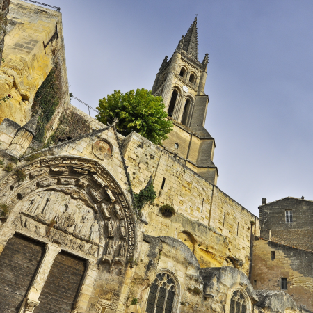 From prehistory to the 18th century, enjoy a travel into history.
