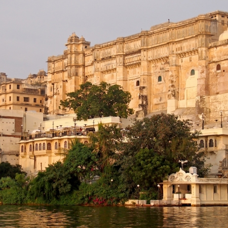Udaipur, also known as the City of Lakes is like the oasis of the Thar desert. The many lakes in the city have lent it the name of 'Venice of the East'. The royal palaces and forts add to beauty of the historic city of Udaipur founded in 1559.