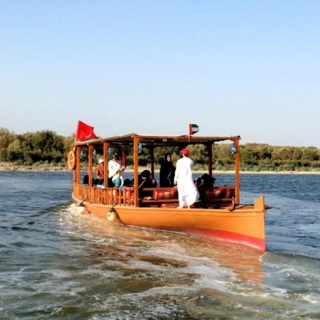 Experience a pearl journey and discover the history behind the Arab gulf's pearling industry.