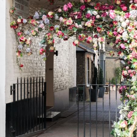 Live like a local – guided walking tours of London – find those hidden gems that you can only see and hear with a local guide