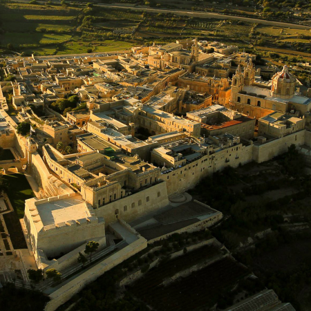 Visiting Mdina and enjoying the birds-eye view from the Bastion Walls