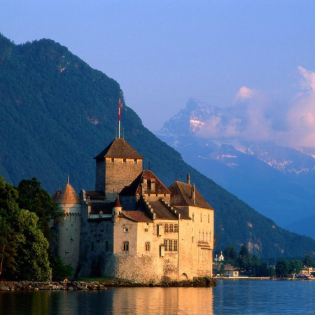 On the path of the Swiss history from the wooden bridge to the medieval castle Château de Chillon