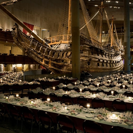 Have a glamorous gala dinner next to the magnificent Vasa warship, the world's best preserved 17th century ship.