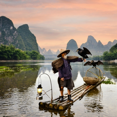 Cruise along the Li River between Guilin and Yangshuo on a private boat and feast on an onboard buffet lunch while taking in the awe-inspiring sights.