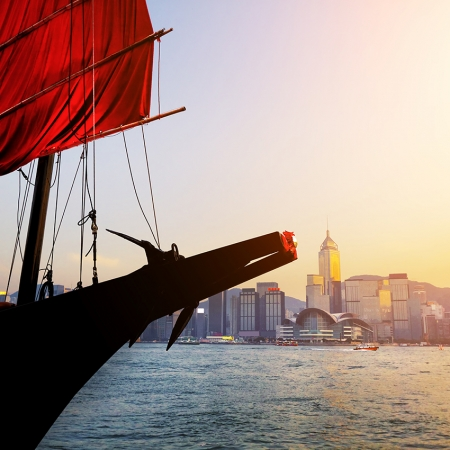 Start the day with a slow motion tai chi class whilst looking out across the Tsim Sha Tsui waterfront to enjoy fantastic views of Victoria Harbour.