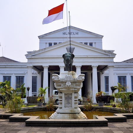 Visit a selection of Jakarta's landmarks and discover first-hand the city's compelling contrasts.