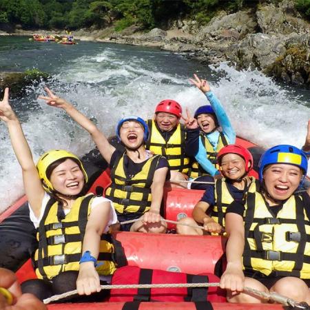 Enjoy the natural environs surrounding the Hozugawa River on a two-hour rafting experience, paddling downstream to Arashiyama in Kyoto.