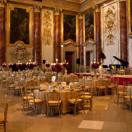 Beautifully restored palaces with classical entertainment