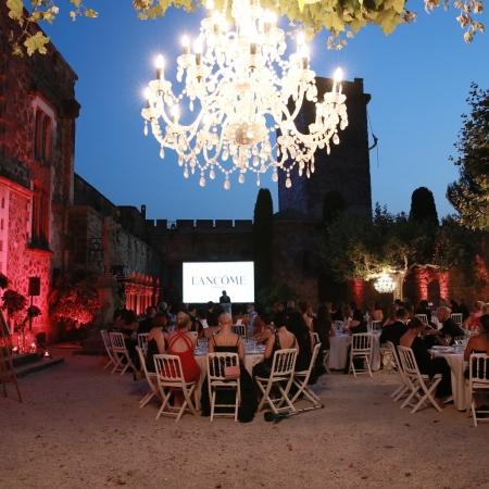 Dinner in a vineyard / château