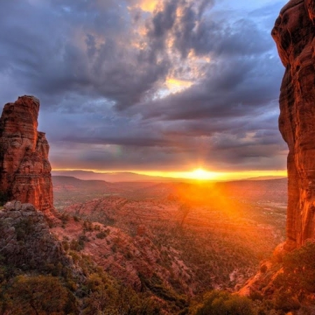 Visit the red rocks and serene beauty of Sedona, an easy 2-hour drive from Scottsdale.