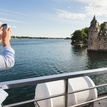 Discover exhilarating panoramic views and the rugged nature on the 1000 Islands Cruise.