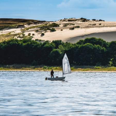 Active recreation: kayaking, yachting, bike trips, horse riding, hiking, golf