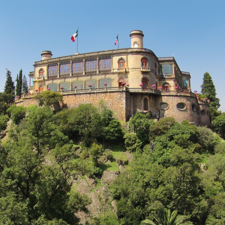 Rich with museums, historical buildings, palaces and the only castle in Latin America. Castillo de Chapultepec